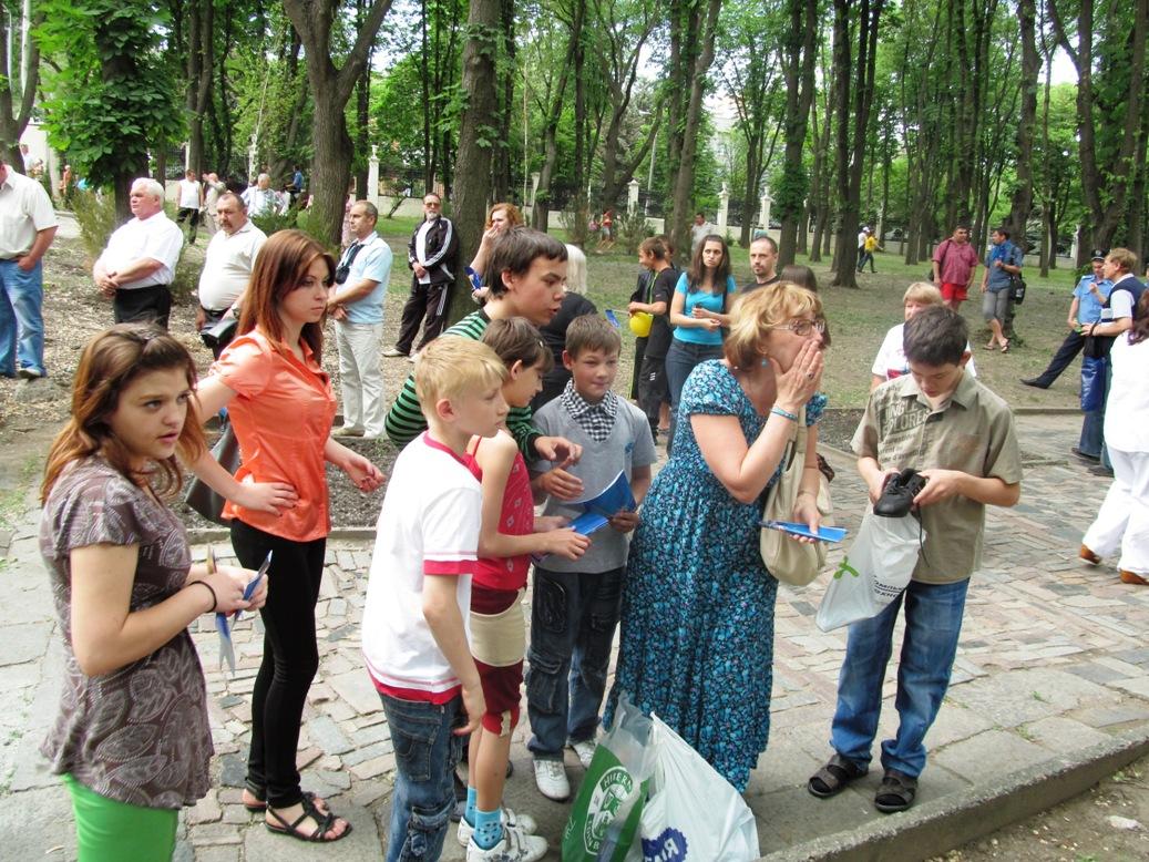 tabachnaya-kids-in-shevchenko-park-2