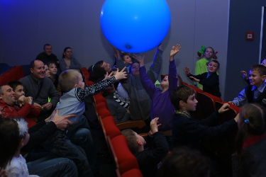 10blue balloon