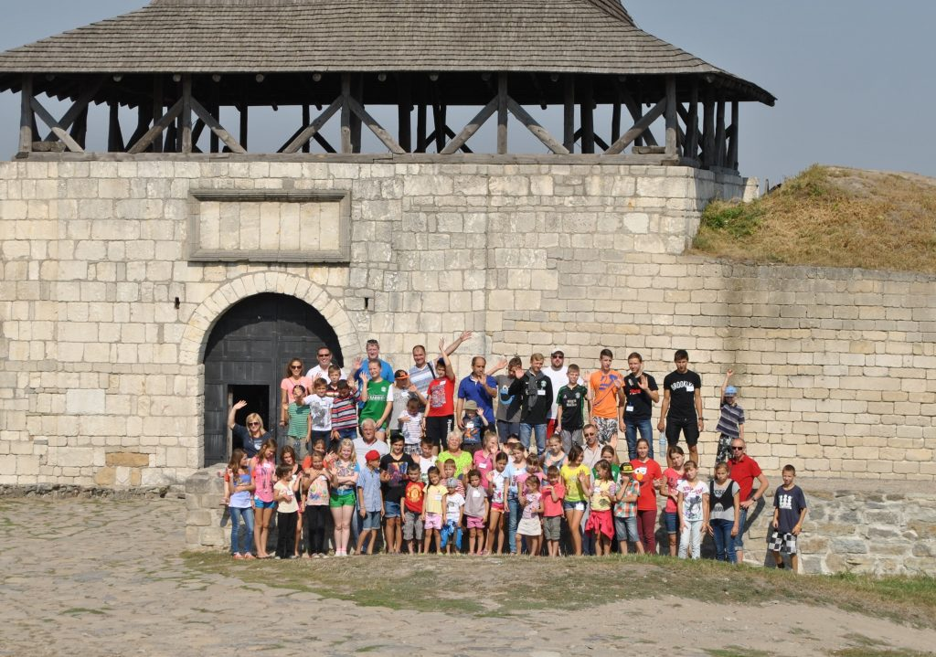 group-photo-at-fortress